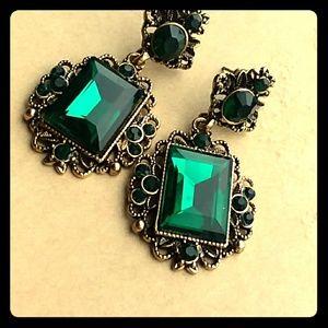 Beautiful emerald earrings!